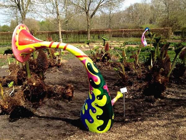 Sculpture - Trumpet Flower Garden - Toyism Art Movement