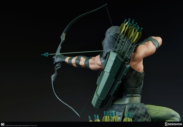 dc-comics-green-arrow-premium-format-figure-sideshow-300668-18