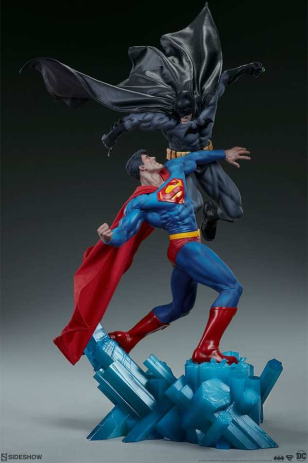dc-comics-batman-vs-superman-diorama-sideshow-200539-10
