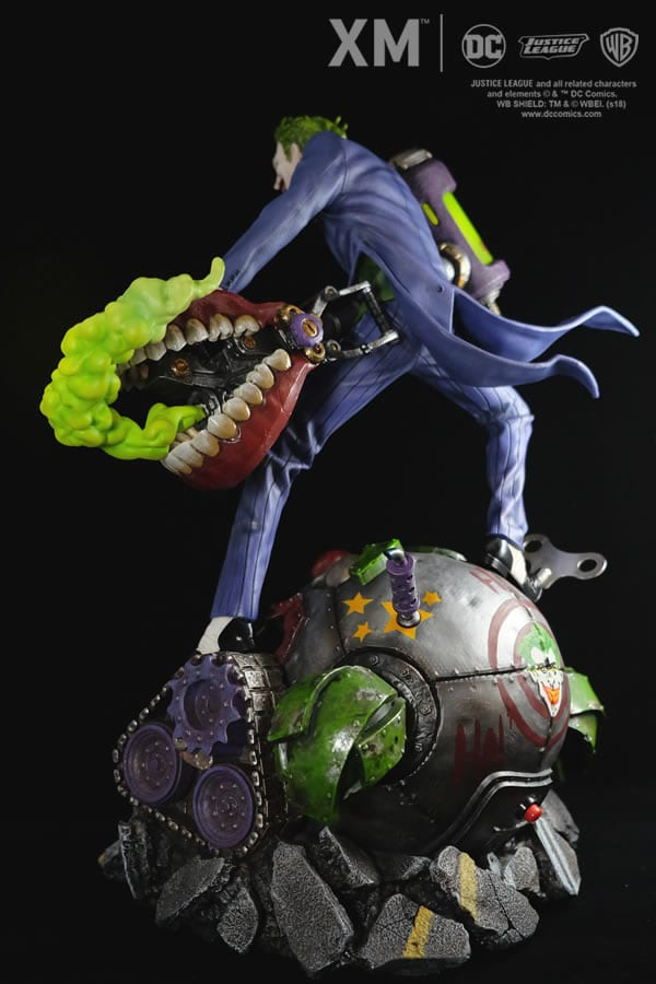 xm-studios-the-joker-rebirth-series-sixth-scale-statue-img09