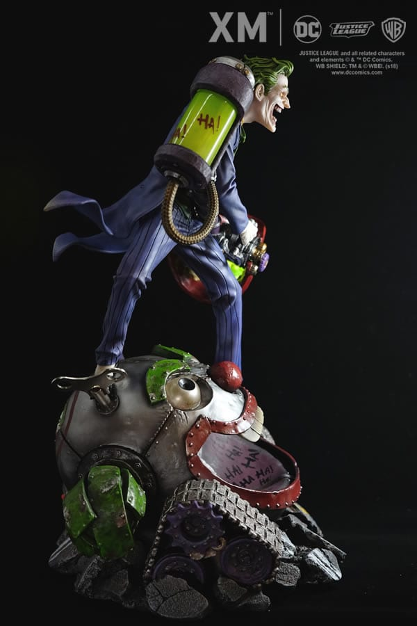 xm-studios-the-joker-rebirth-series-sixth-scale-statue-img11
