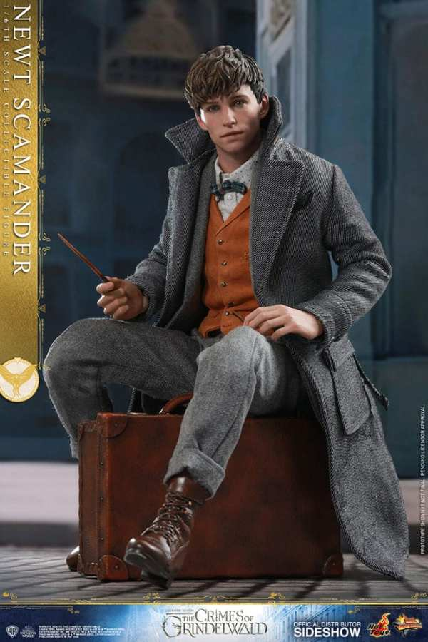 fantastic-beasts-the-crimes-of-grindwald-newt-scamander-sixth-scale-figure-hot-toys-904194-09