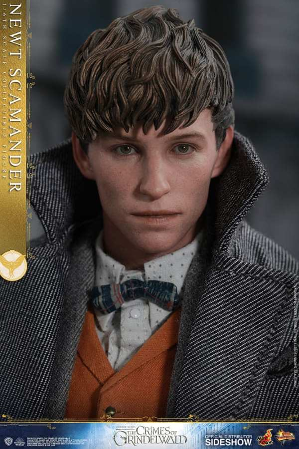 fantastic-beasts-the-crimes-of-grindwald-newt-scamander-sixth-scale-figure-hot-toys-904194-11