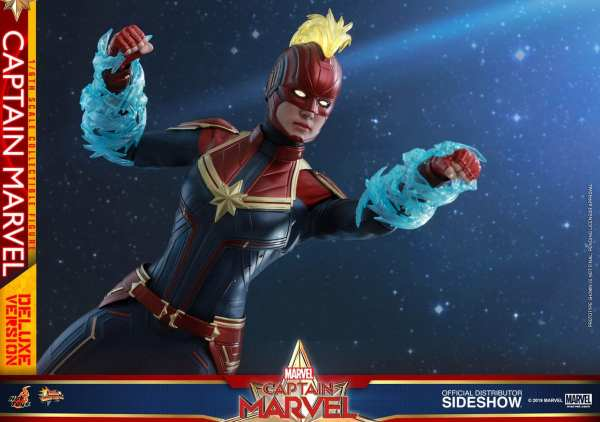 captain-marvel-deluxe-version-1-6-scale-figure-hot-toys-img17