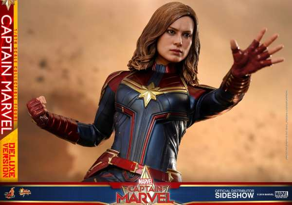 captain-marvel-deluxe-version-1-6-scale-figure-hot-toys-img21