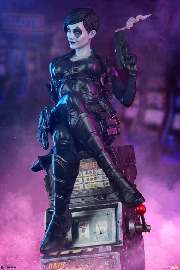 domino-premium-format-figure-sideshow-collectibles-marvel-statue-img01