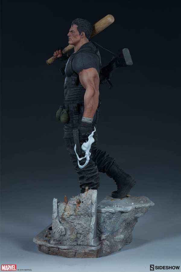 the-punisher-premium-format-figure-sideshow-collectibles-statue-img06