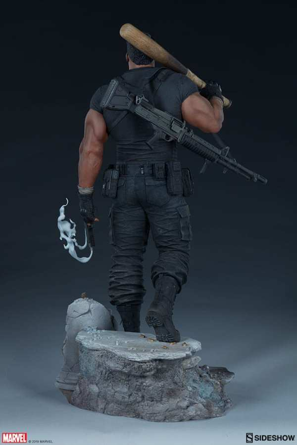 the-punisher-premium-format-figure-sideshow-collectibles-statue-img08
