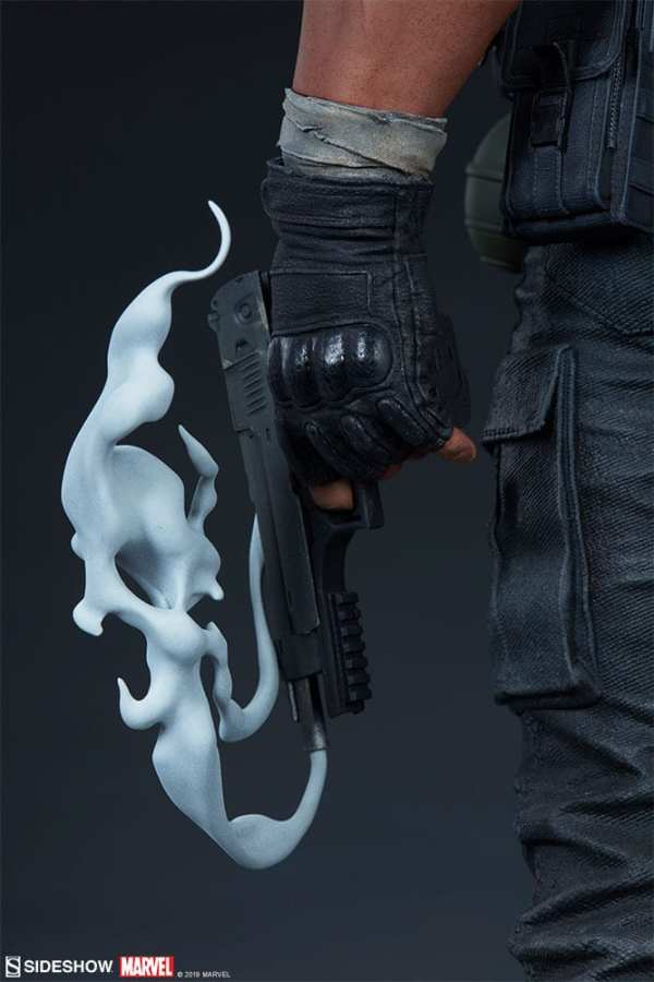 the-punisher-premium-format-figure-sideshow-collectibles-statue-img25