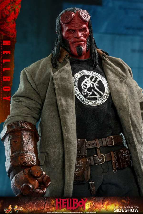 hot-toys-hellboy-sixth-scale-1-6-scale-figure-mms527-img09