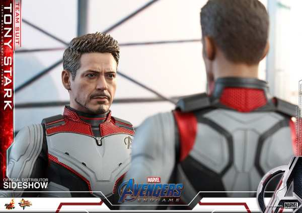 hot-toys-tony-stark-team-suit-avengers-endgame-sixth-scale-figure-marvel-img13