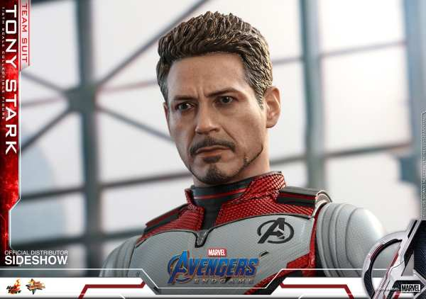 hot-toys-tony-stark-team-suit-avengers-endgame-sixth-scale-figure-marvel-img15