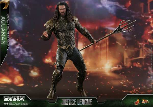 hot-toys-aquaman-justice-league-sixth-scale-figure-mms-447-marvel-img11