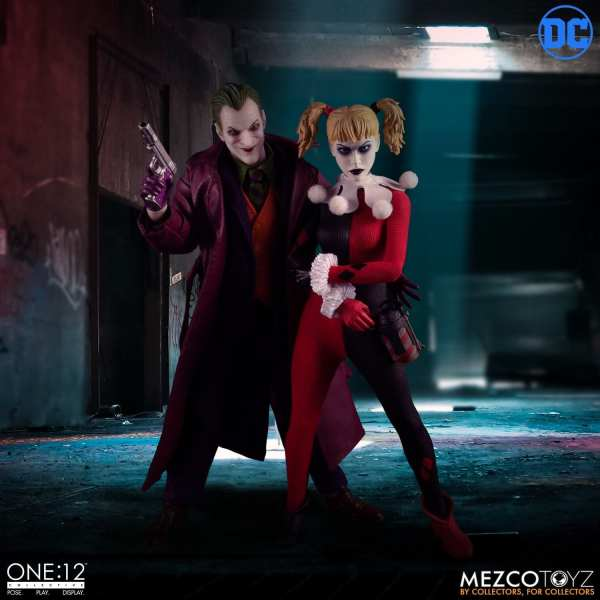 mezco-toyz-harley-quinn-deluxe-edition-one12-collective-dc-comics-img03