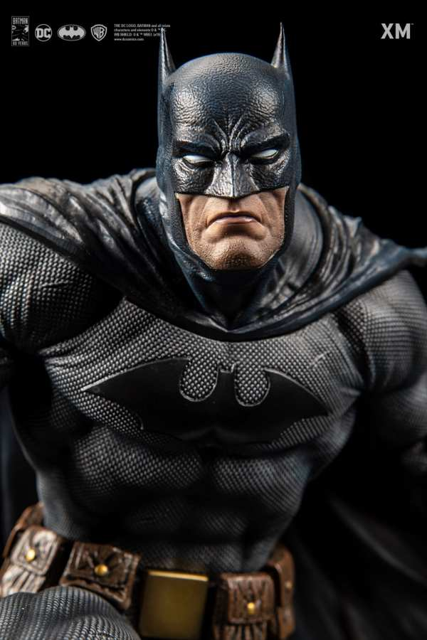 xm-studios-batman-hush-1-6-scale-statue-iconic-cover-art-dc-comics-img04