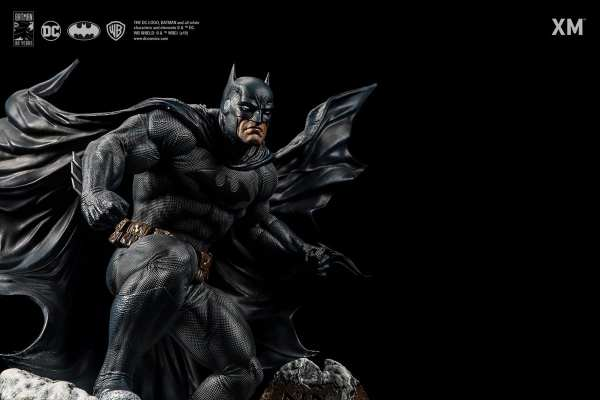 xm-studios-batman-hush-1-6-scale-statue-iconic-cover-art-dc-comics-img08