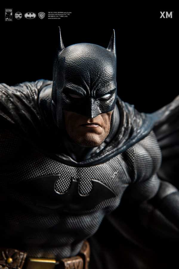 xm-studios-batman-hush-1-6-scale-statue-iconic-cover-art-dc-comics-img16