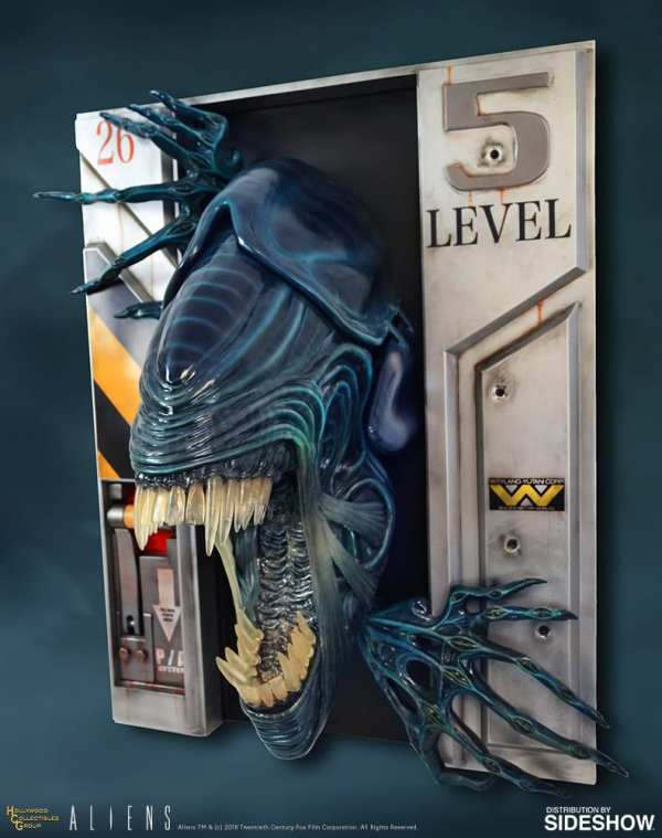 hollywood-collectibles-group-aliens-alien-queen-life-size-wall-sculpture-img02
