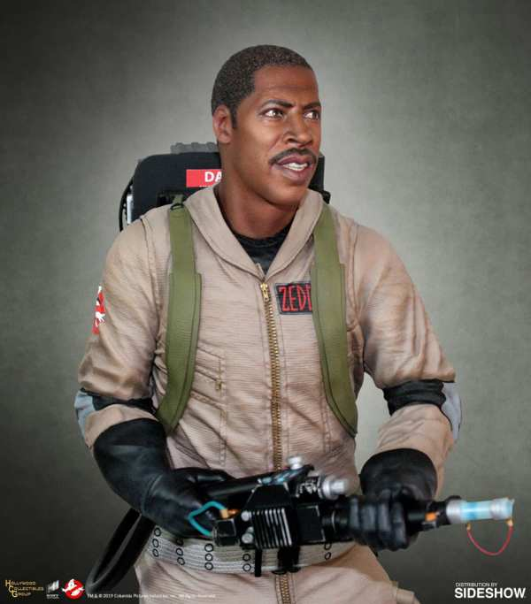 hollywood-collectibles-group-winston-zeddemore-statue-ghostbusters-img02