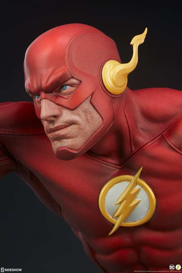 sideshow-collectibles-the-flash-premium-format-figure-dc-comics-statue-img12