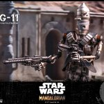 hot-toys-ig-11-sixth-scale-figure-mandalorian-star-wars-collectibles-tms008-img06