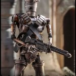 hot-toys-ig-11-sixth-scale-figure-mandalorian-star-wars-collectibles-tms008-img14