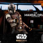 hot-toys-the-mandalorian-sixth-scale-figure-star-wars-collectibles-tms007-img02