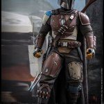 hot-toys-the-mandalorian-sixth-scale-figure-star-wars-collectibles-tms007-img12