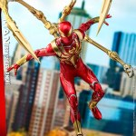hot-toys-spider-man-iron-spider-armor-sixth-scale-figure-marvel-collectibles-vgm38-img06