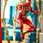 hot-toys-spider-man-iron-spider-armor-sixth-scale-figure-marvel-collectibles-vgm38-img07