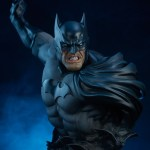 sideshow-collectibles-batman-bust-14-inch-dc-comics-collectibles-img01