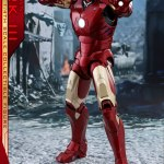 hot-toys-iron-man-mark-iii-quarter-scale-figure-1-4-scale-iron-man-collectibles-img03