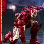 hot-toys-iron-man-mark-iii-quarter-scale-figure-1-4-scale-iron-man-collectibles-img05