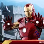 hot-toys-iron-man-mark-iii-quarter-scale-figure-1-4-scale-iron-man-collectibles-img10