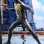 hot-toys-spider-man-anti-ock-suit-deluxe-sixth-scale-figure-marvel-vgm45-img05