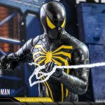 hot-toys-spider-man-anti-ock-suit-deluxe-sixth-scale-figure-marvel-vgm45-img12