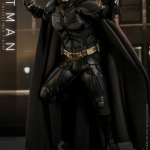 hot-toys-dark-knight-rises-batman-sixth-scale-figure-dc-comics-collectibles-dx-img07