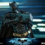 hot-toys-dark-knight-rises-batman-sixth-scale-figure-dc-comics-collectibles-dx-img14