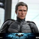 hot-toys-dark-knight-rises-batman-sixth-scale-figure-dc-comics-collectibles-dx-img17