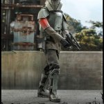 hot-toys-transport-trooper-sixth-scale-figure-star-wars-the-mandalorian-collectibles-tsm030-img02