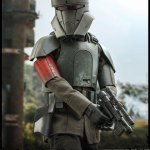 hot-toys-transport-trooper-sixth-scale-figure-star-wars-the-mandalorian-collectibles-tsm030-img07