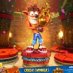 first-4-figures-crash-winner-standard-edition-statue-CTR-team-racing-nitro-fueled-collectibles-img01