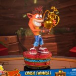first-4-figures-crash-winner-standard-edition-statue-CTR-team-racing-nitro-fueled-collectibles-img09