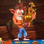 first-4-figures-crash-winner-standard-edition-statue-CTR-team-racing-nitro-fueled-collectibles-img11
