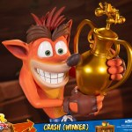 first-4-figures-crash-winner-standard-edition-statue-CTR-team-racing-nitro-fueled-collectibles-img18