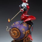 sideshow-collectibles-harley-quinn-and-the-joker-diorama-statue-dc-comics-img11