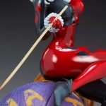 sideshow-collectibles-harley-quinn-and-the-joker-diorama-statue-dc-comics-img17