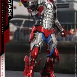 hot-toys-tony-stark-mark-v-suit-up-version-deluxe-sixth-scale-figure-marvel-mms-600-img04