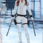 hot-toys-black-widow-snow-suit-sixth-scale-figure-marvel-collectibles-mms-601-img05