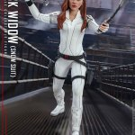 hot-toys-black-widow-snow-suit-sixth-scale-figure-marvel-collectibles-mms-601-img06